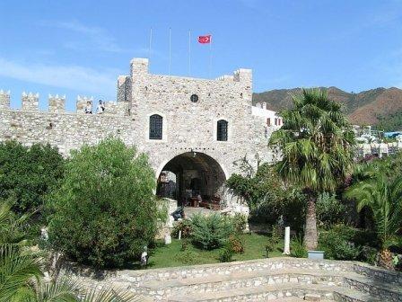 Замок в Мармарисі
